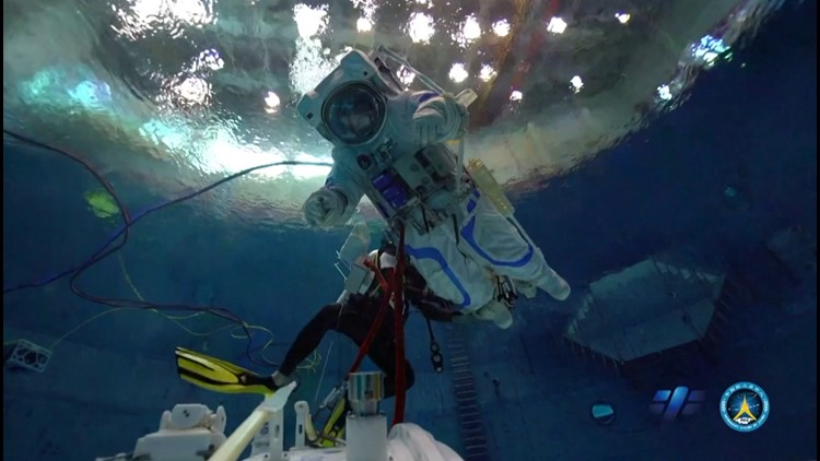 China Preps Astronauts in Weightless Environment To Prep For Space Station Docking