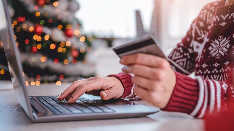 These credit card strategies can help you save big on the holidays this year