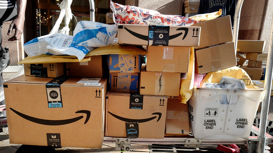 Amazon offers to pay employees to quit, start delivery business