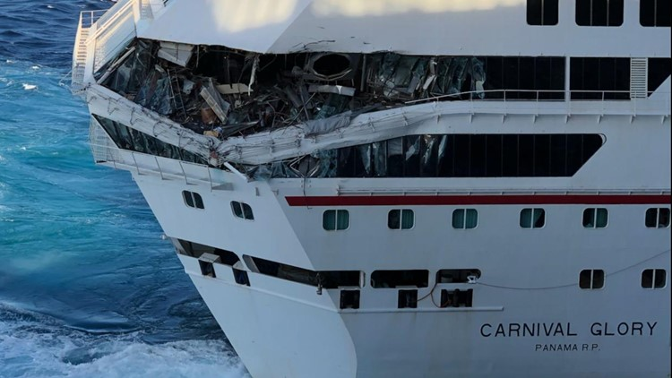 Carnival Glory, Carnival Legend collide at Cozumel, Mexico ...