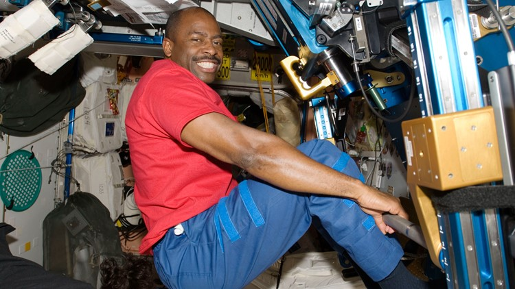 How do astronauts do laundry in space?