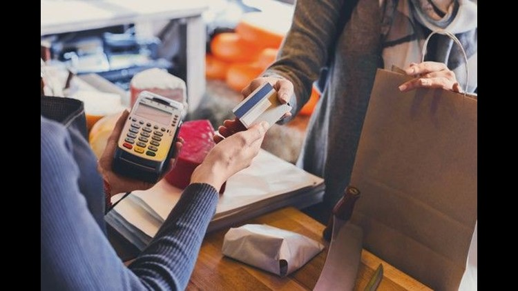 8 ways to use credit card rewards to stay on budget during the holidays