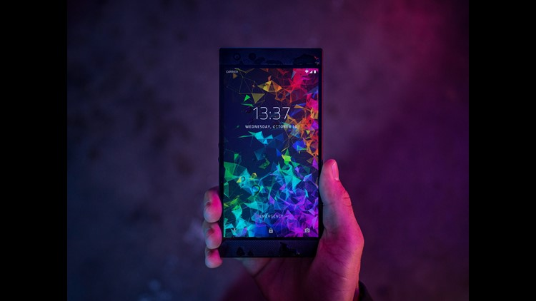 Phone 2 2018 Lifestyle Shoot2 7
