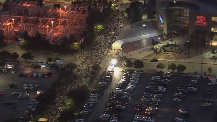 Line of Trump supporters spills over in Discovery Green ahead of rally
