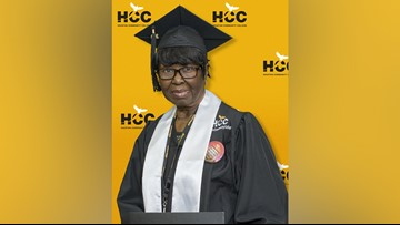 80-year-old grandmother graduates from community college