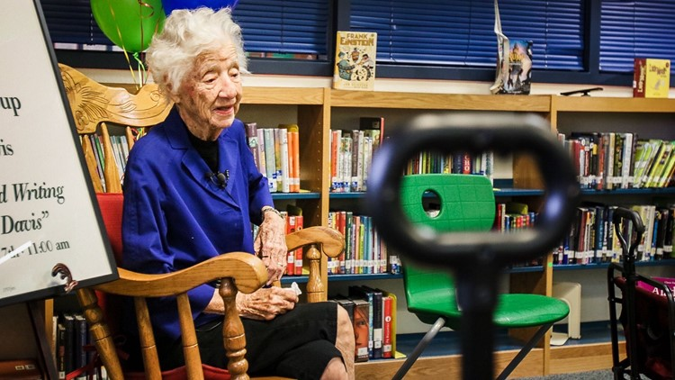 104-yr-old-woman dementia books