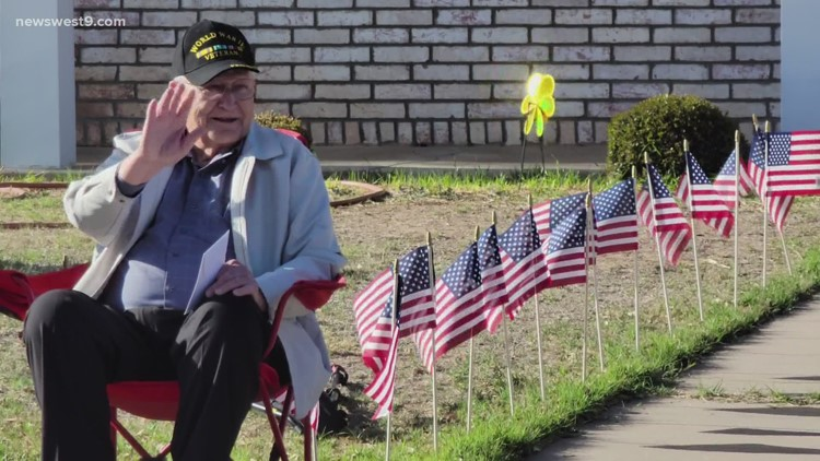 Community comes together to celebrate WWII veteran's 96th birthday