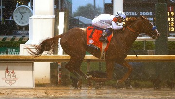 Justify wins 144th Kentucky Derby, makes history on muddy track