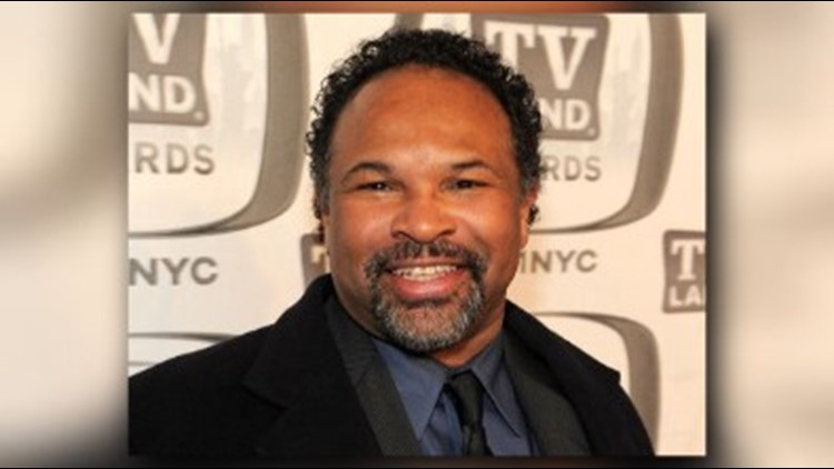 Geoffrey Owens: Actors defend Cosby Show star spotted packing groceries