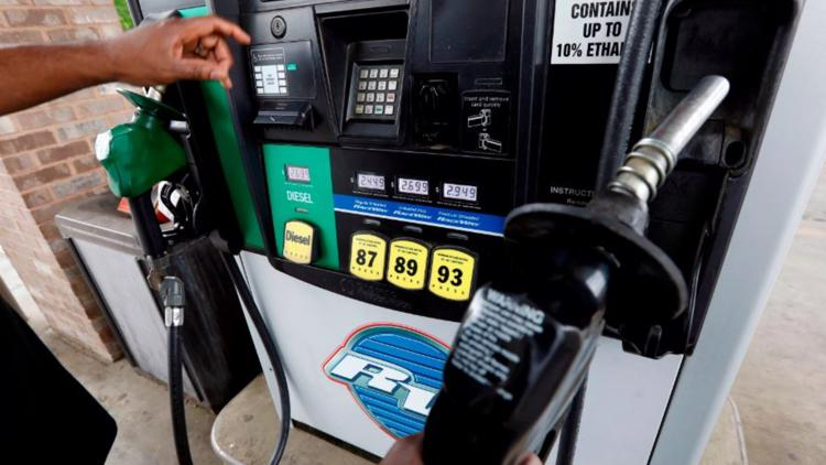 Gas prices hit 7-year high, no sign of slowing as holidays near