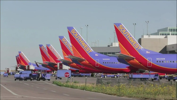 Southwest Airlines cancels more than 1,000 flights over weekend