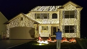 Wadsworth family pays tribute to 'Christmas Vacation' movie with epic light display