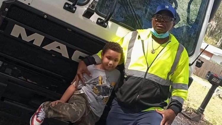 Sanitation worker receives award for saving 7-year-old boy's life