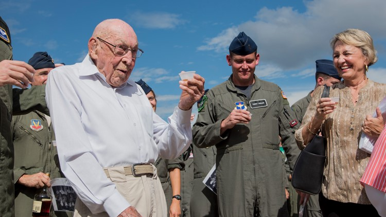 Retired Lt. Col. Richard Cole dies at the age of 103