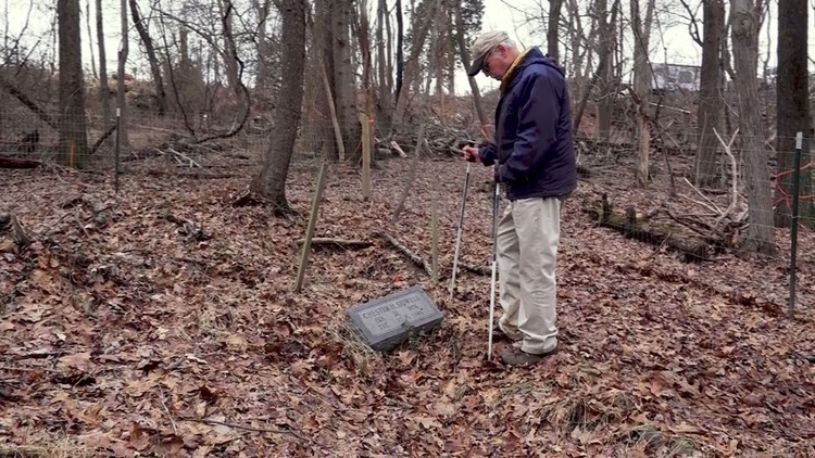 Jim Koenig at Chester Sidwell's grave