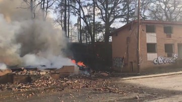 Smoke over Atlanta caused by large abandoned apartment fire