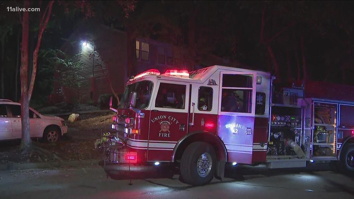 2 kids taken to Grady after fire inside bedroom of Fulton County apartment