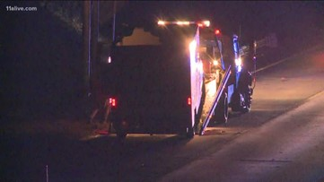 Theft suspects jump out of U-Haul truck on Ga  400