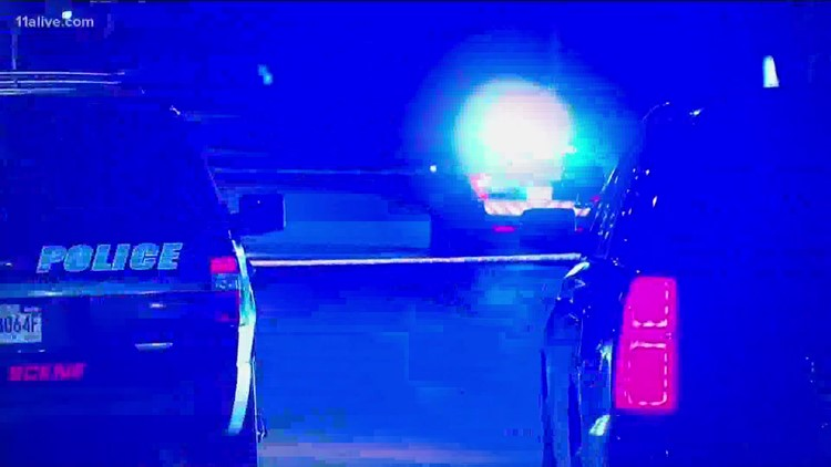 2 children, mother caught in shootout crossfire on Atlanta's west side