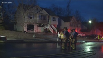 Douglasville family loses Christmas presents in house fire