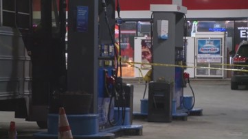 Man shot in hand at Moreland Avenue gas station