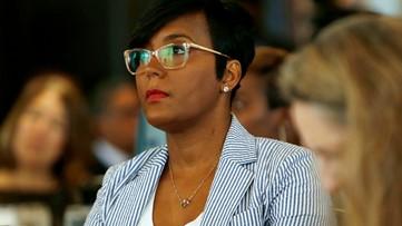 Atlanta mayor issues indoor mask mandate