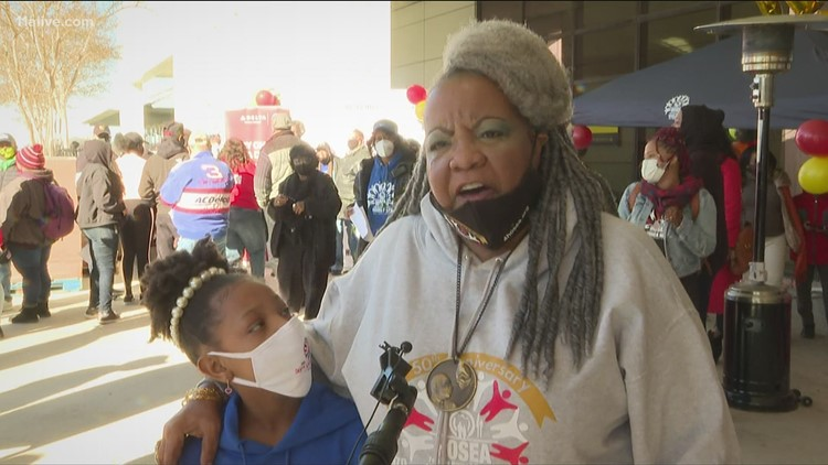 Hosea Helps feeds 1,000 families for MLK Day celebration