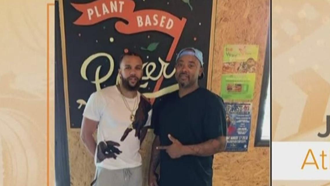 Rapper Jidenna dines at Atlanta pizza shop