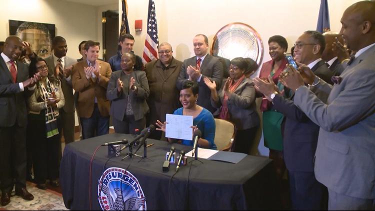 Mayor Bottoms Signing Cash Bonds Legislation
