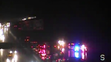 I-285 South accident clears after crash amid wet, cold Friday evening