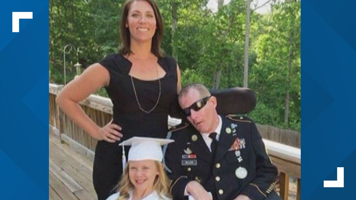 'He fought for us'   Loganville residents lower flags at half staff, line streets to honor the life of heroic veteran