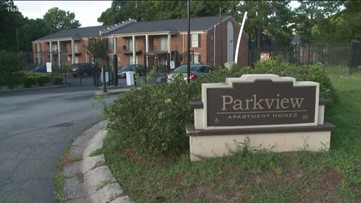 Residents claim cockroaches, rats and mold at some apartments on Riverside Parkway