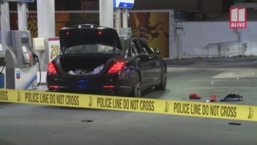 Raw: Would-be victim shoots, kills alleged robber at gas station, police said