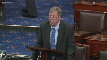 Sen. Isakson recognizes Vince Dooley on Senate floor