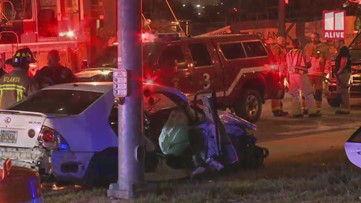 Two hurt in head-on wreck in downtown Atlanta