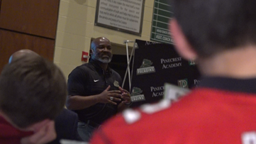 Former NFL players discuss leadership and the role of God in their lives