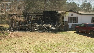 Man dies in late-night Carroll Co. house fire