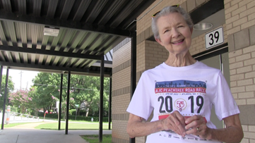 Longtime Peachtree Road Racer shows no signs of stopping