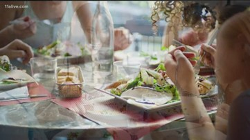 Dining with your friends makes you eat less, study says