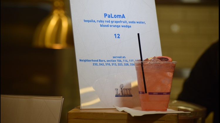 PaLomA cocktail sign and drink