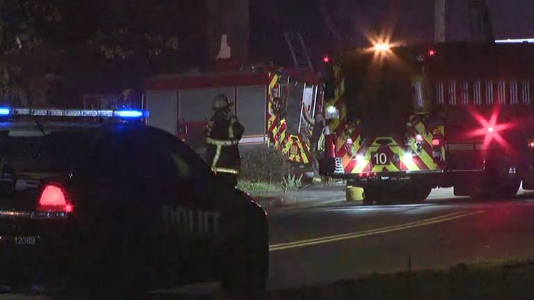3 firefighters responding to apartment fire hospitalized after truck hits tree