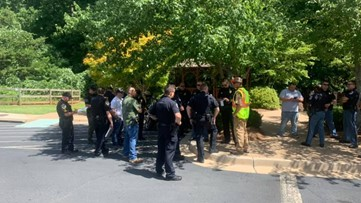 Officers disguised as construction workers enforce hands-free law in Cobb