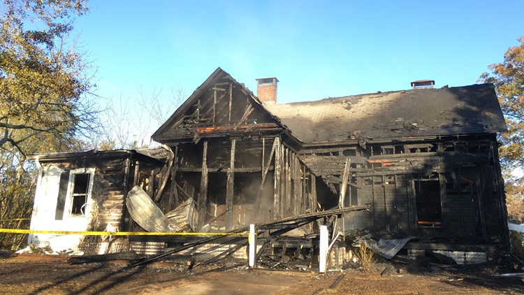 Family's cat dies in Buford house fire