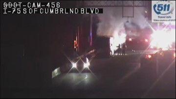 Bus fire on I-75