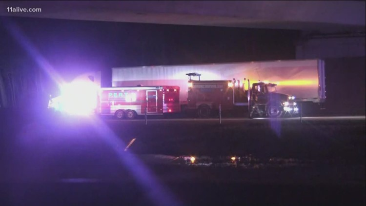 I-675 South shuts after tractor trailer fire