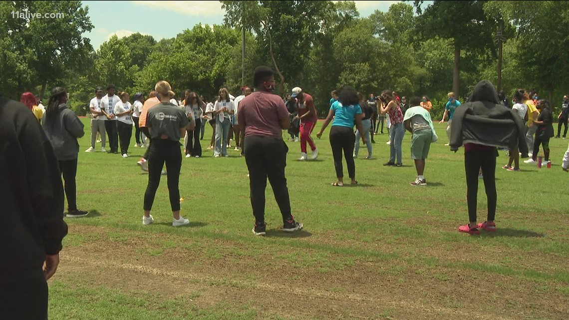 Breakthrough Atlanta hosts ceremony for graduates
