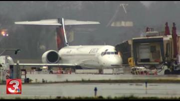 Delta flight to Atlanta makes emergency landing after getting hit by lightning