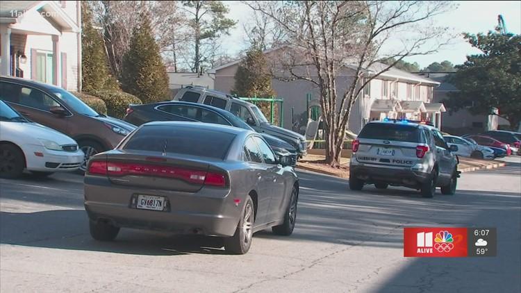 Person fatally shot at Fairburn apartments