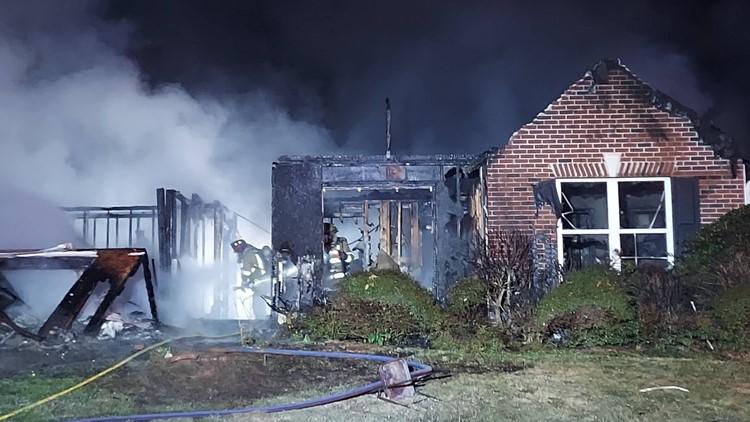 Man injured, 2 kids escape fire that destroyed 2 Gwinnett County homes