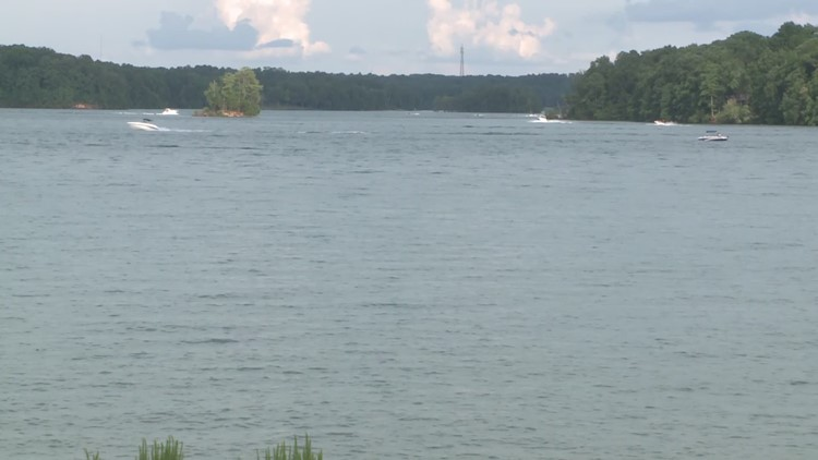 45-year-old man dies on Lake Lanier despite rescue attempt by fellow swimmer